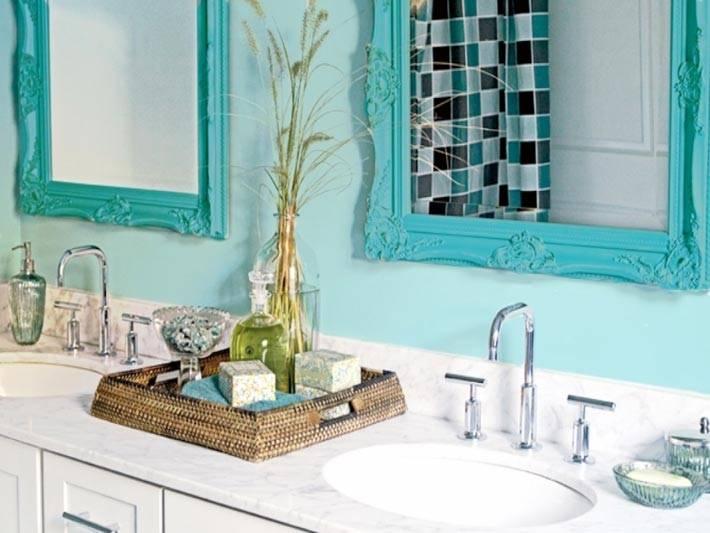 бирюзовые рамы для зеркал в дизайне ванной фото