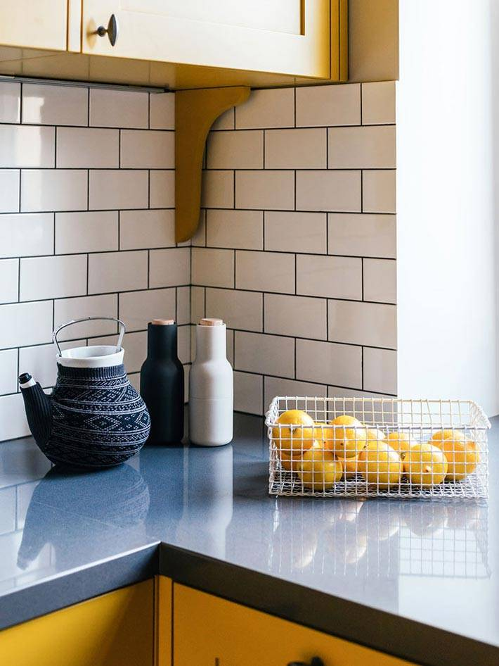 белая плитка кирпичик для кухонного фартука