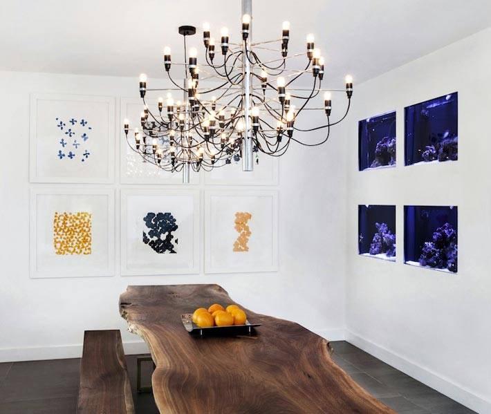стол из спила дерева в интерьере современной столовой комнаты