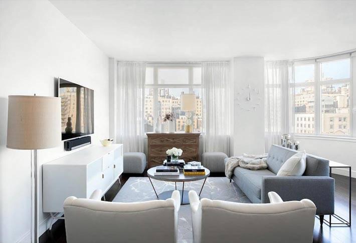 белый цвет в гостиной нестандартной формы фото