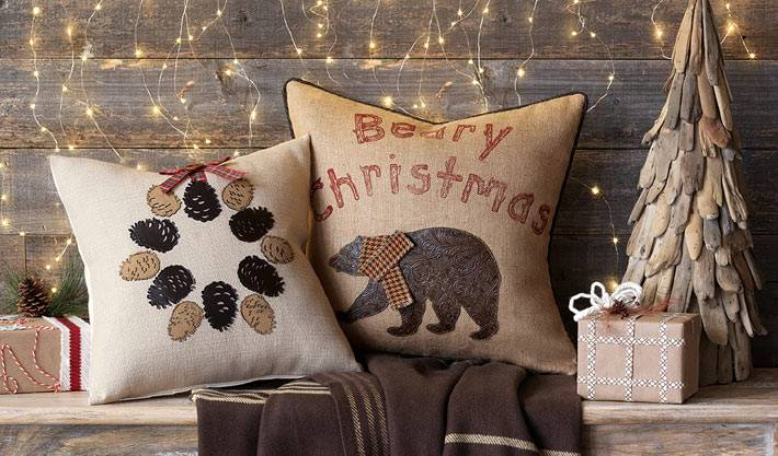уютные подушки для украшения новогоднего интерьера