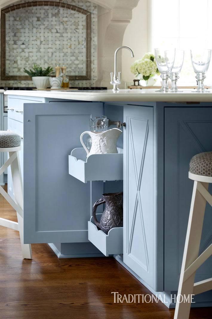 различные системы хранения в интерьере одной кухни фото