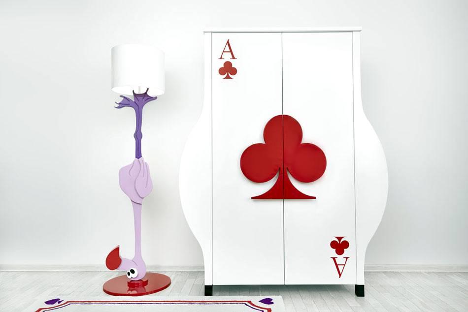 сказочная мебель для детской комнаты - лампа-фламинго и шкаф