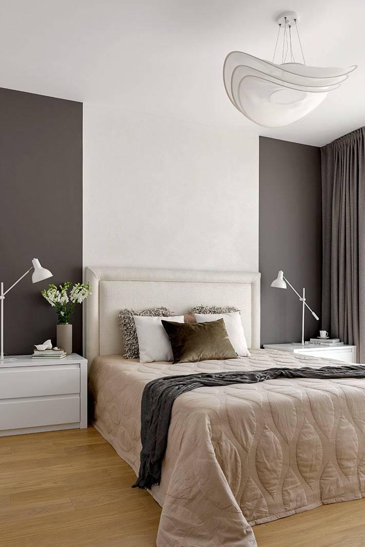 спальня в черно-белом сочетании цветов на стенах