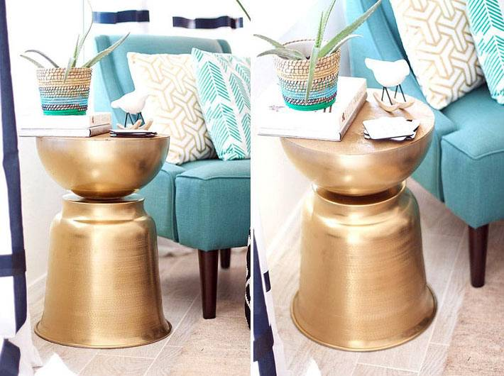 маленький придиванный столик, выкрашенный золотой краской