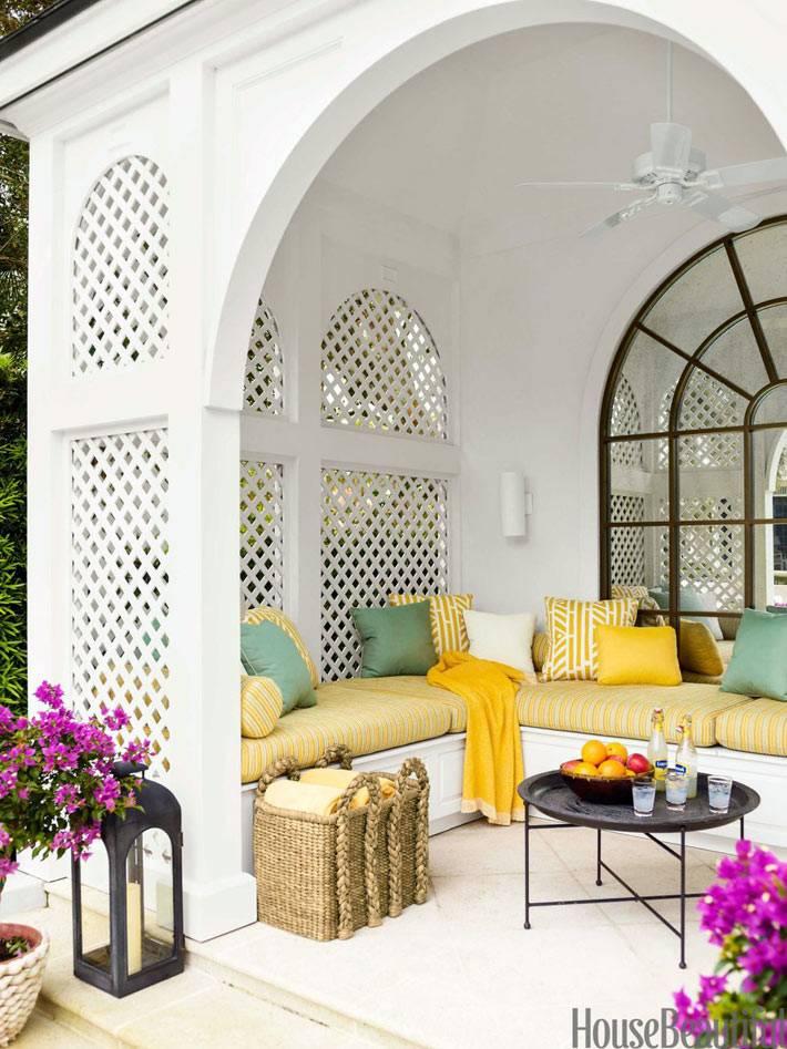 Утонченный интерьер дома в тропическом стиле во Флориде