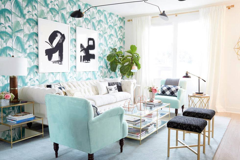 приятный бирюзовый оттенок в дизайне интерьера гостиной комнаты фото