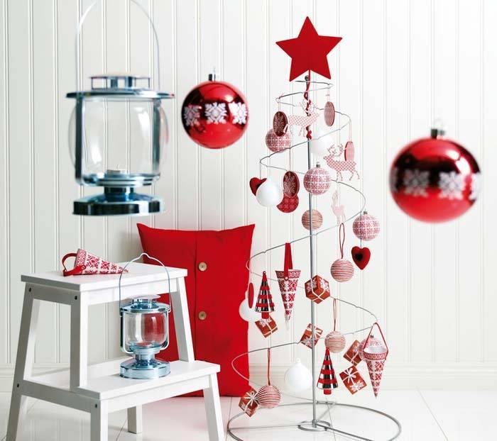 новогоднее оформление в красно-белой гамме цветов