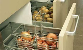 ящики для хранения продуктов на кухне