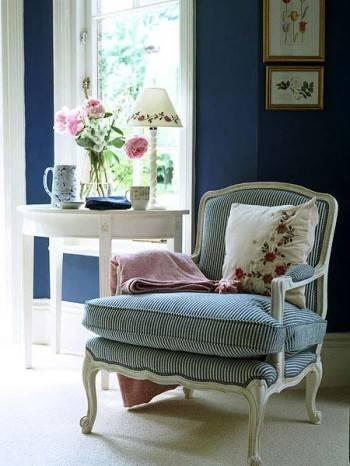 красивое кресло