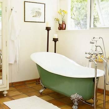 окно в ванной комнате - большое преимущество