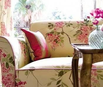 обивка мебели с цветочным принтом