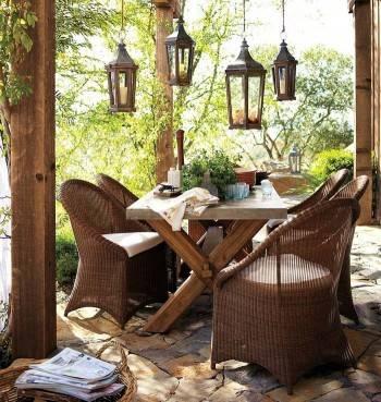 балкон, плетеная мебель
