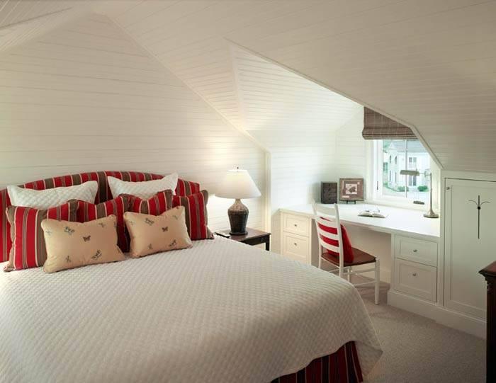 мансардная спальня