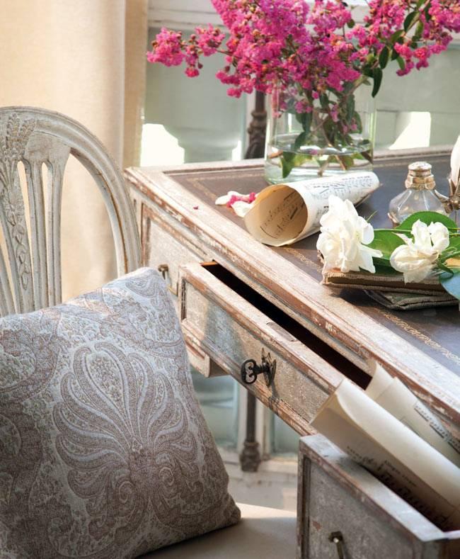 винтажный стиль в оформлении гостиной комнаты