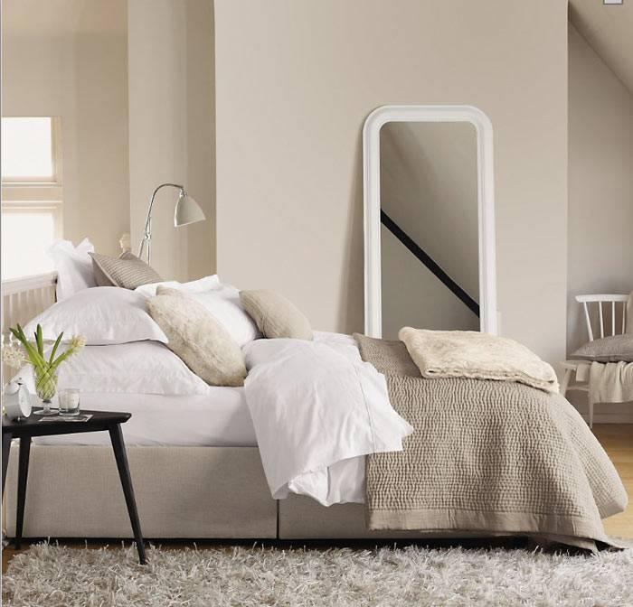 белая спальня, фото зимних интерьеров