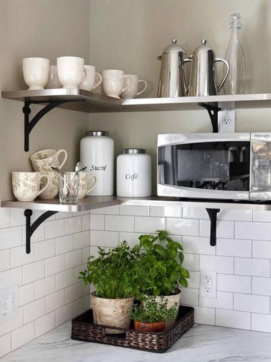 открытые полки на кухне фото