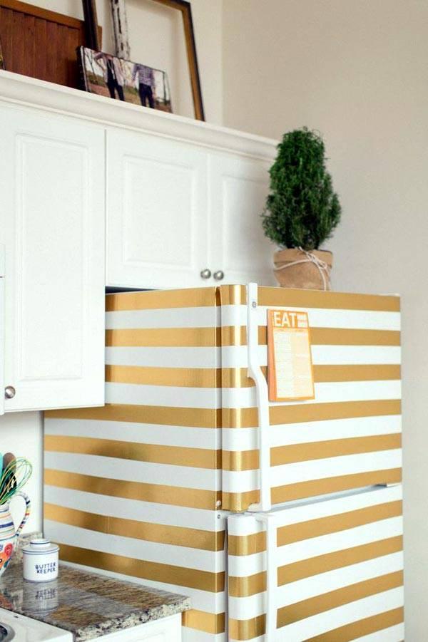 яркий цветной холодильник