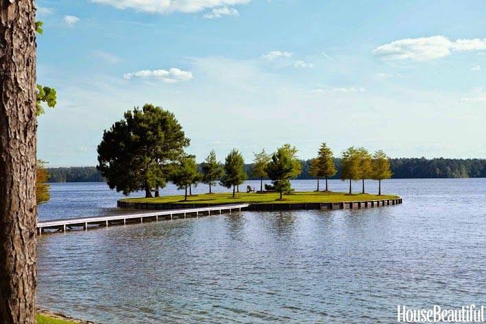 интерьер дома у озера