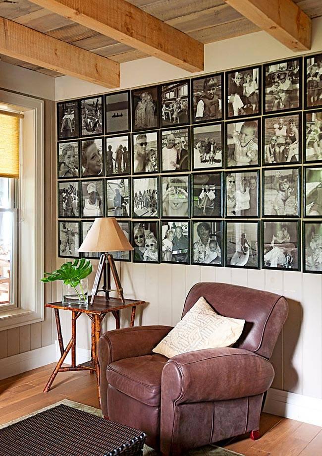 Семейные фотографии на стенах дома