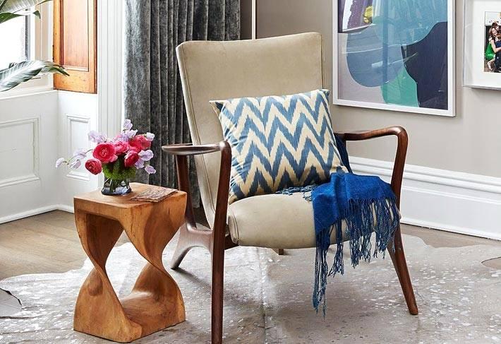 дизайнерская мебель из дерева и текстиля в доме