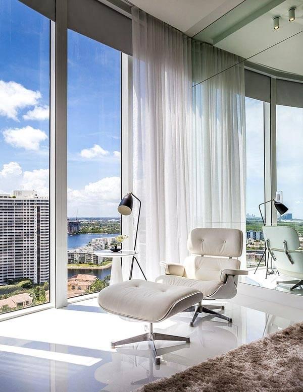 панорамный вид из квартиры в небоскребе во Флориде