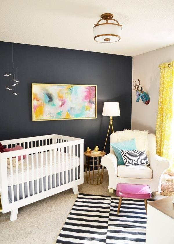 Дизайн детской комнаты с акцентом на черную стену