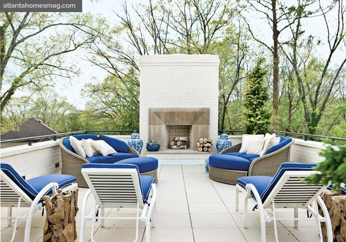 Дизайн террасы на крыше в белом цвете фото