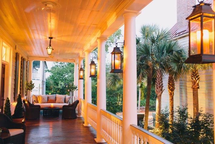 Романтические вечера со свечами на террасе отеля