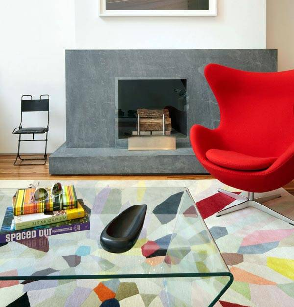 Красивое дизайнерское кресло-яйцо (Egg Chair) от скульптора Арне Якобсен