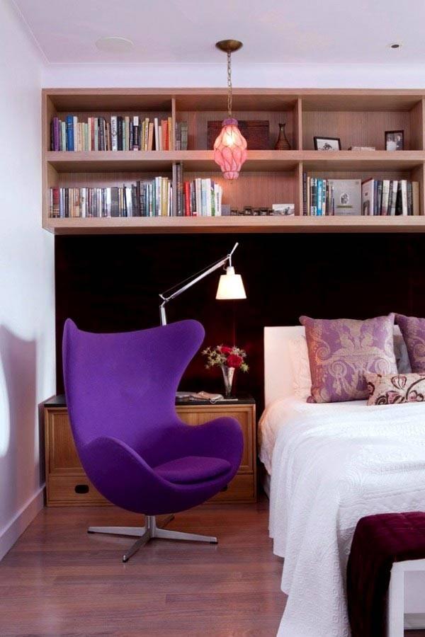 фиолетовое выгнутое кресло для спальни фото