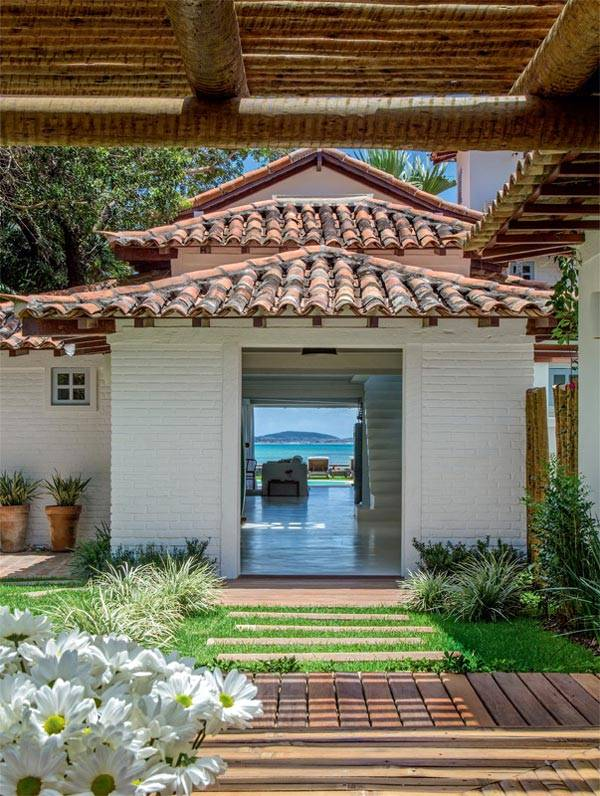Небольшой двухэтажный домик в Бразилии
