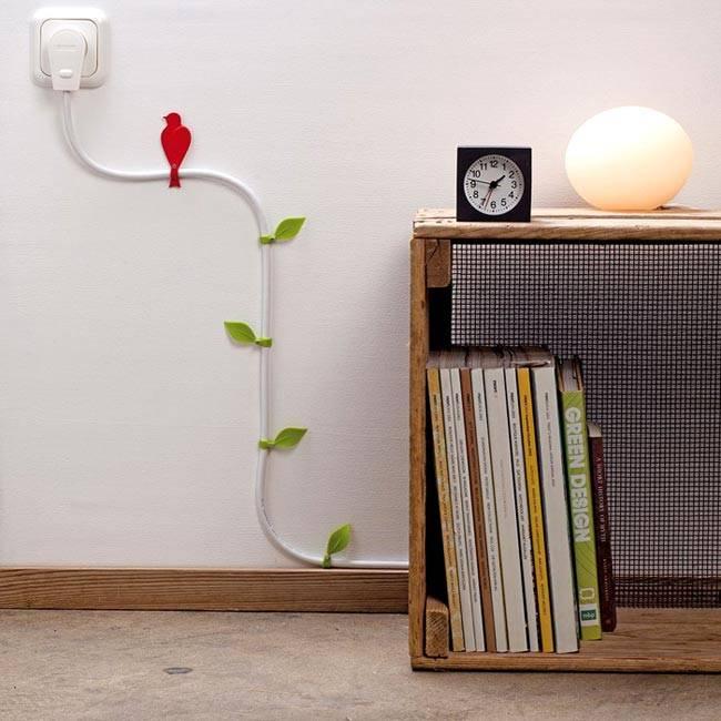 креативные прищепки-листики для поддержки проводов на стене