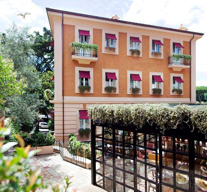 Дизайн интерьеров комнат отеля The Corner в Риме