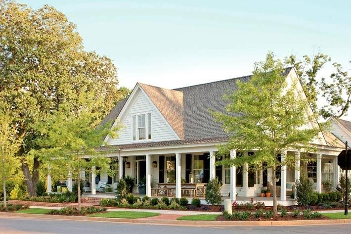 Красивый дом в исторической части США фото