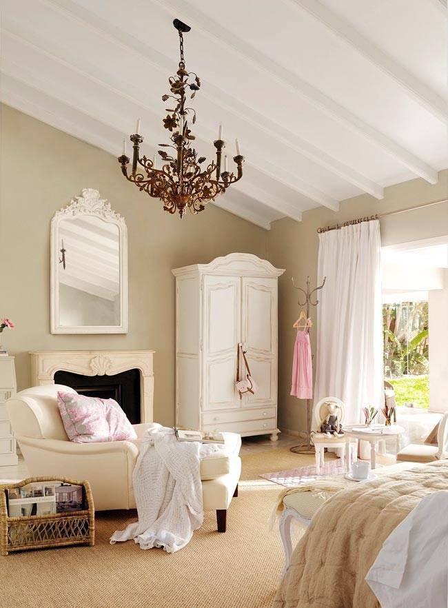 Бежевые оттенки в красивом дизайне спальни фото