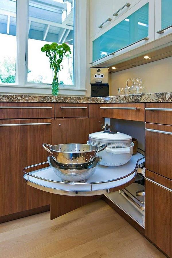 идеи угловых полок на кухне фото