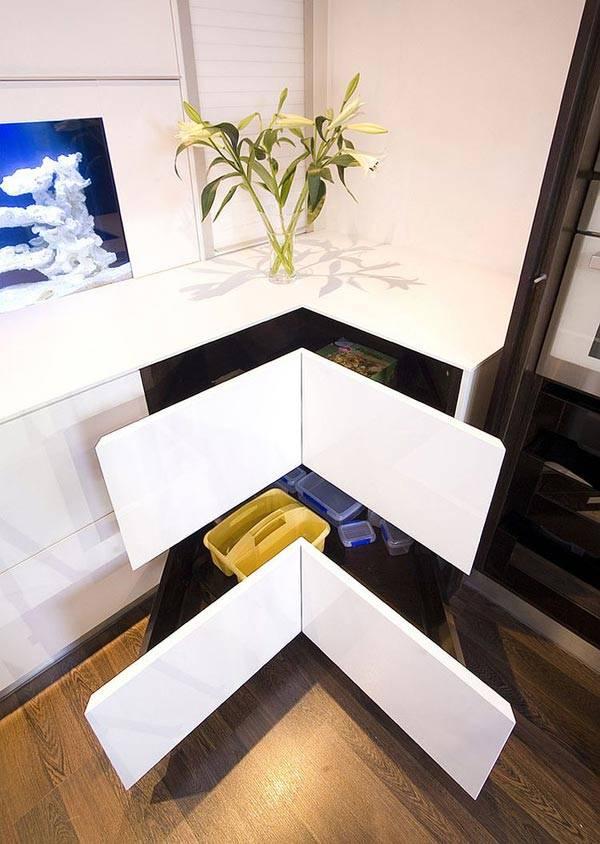 кухонный ящик в углу