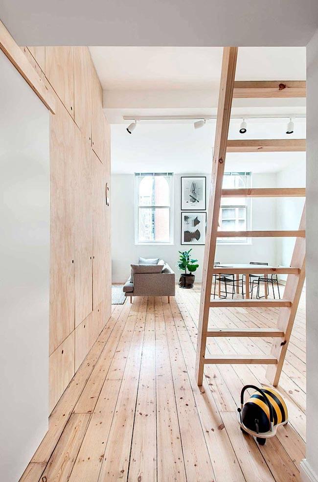 Сочетание натурального дерева и белого цвета в интерьере квартире фото