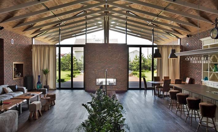 """""""Дом без границ"""" - красивый интерьер дома с панорамными окнами"""