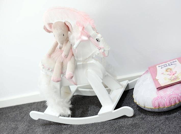 лошадка и мышка - игрушки для детской комнаты