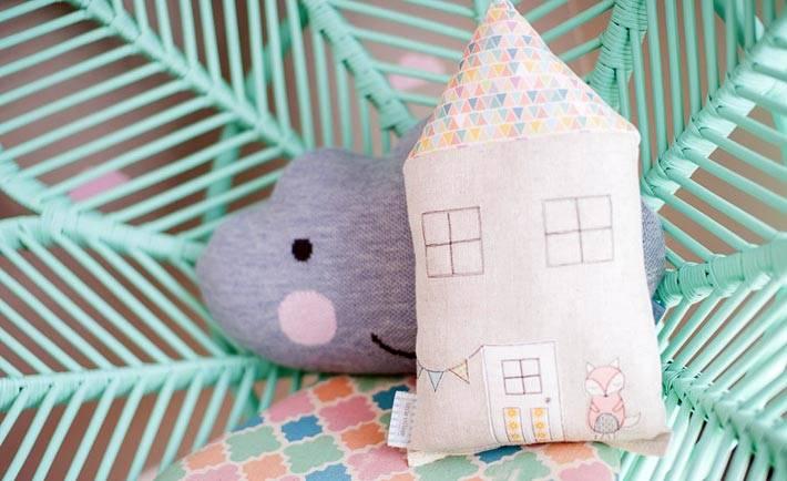 красивые детские подушки разной формы фото
