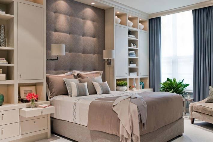 спальные гарнитуры в уютной комнате фото