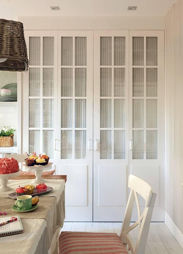 милый дизайн интерьера дома в белом цвете в мадриде