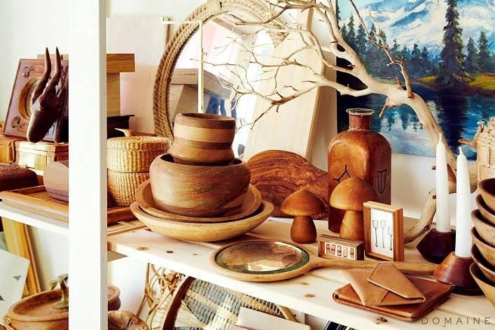 деревянная посуда и другие элементы в декоре интерьера