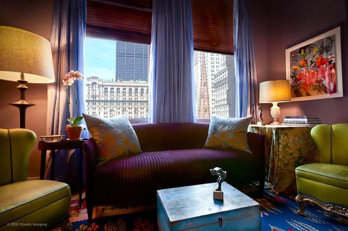 симметрия в дизайне интерьера гостиной