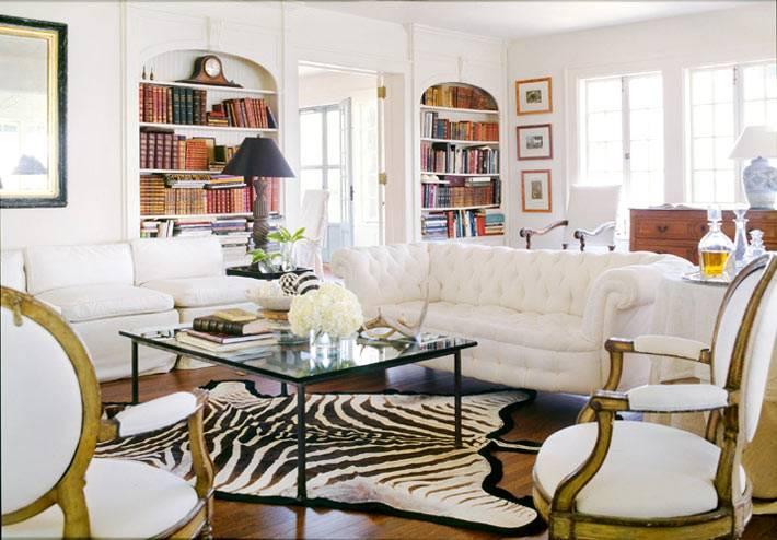 как расставить мебель по кругу в гостиной комнате