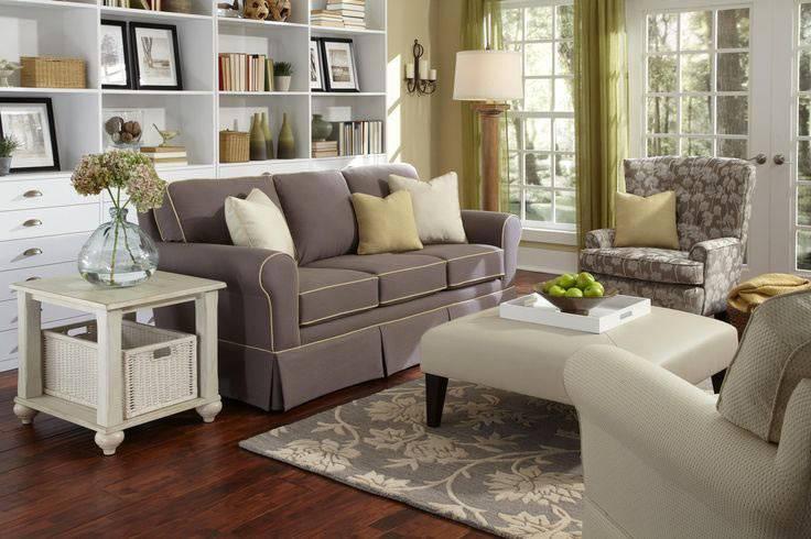 Удобное расположение мебели в интерьере по кругу