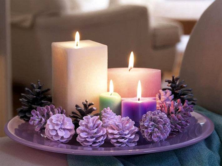 Украшаем дом новогодними свечами и шишками своими руками