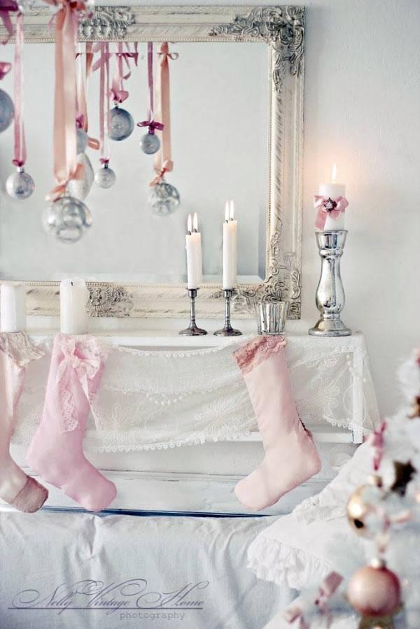 Красивые нежные тона в украшениях к Новму году и Рождеству
